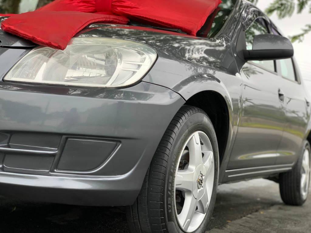 Foto numero 3 do veiculo Chevrolet Prisma 1.4 LT - Cinza - 2012/2012