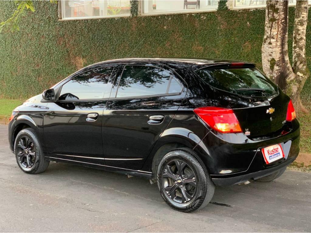 Foto numero 5 do veiculo Chevrolet Onix 1.4 LT - Preta - 2013/2014