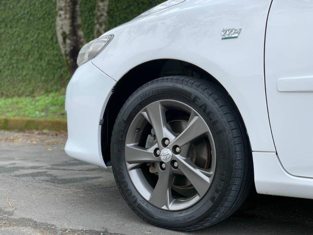 Foto numero 4 do veiculo Toyota Corolla ZEI 2.0 AUT - Branca - 2010/2011