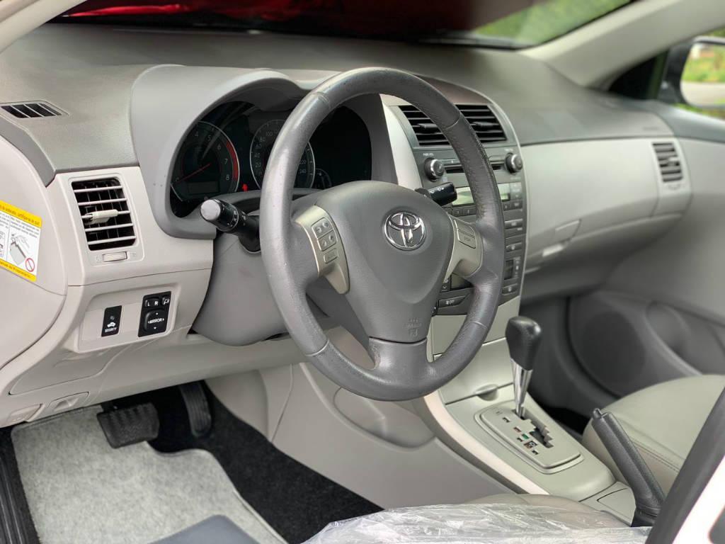 Foto numero 10 do veiculo Toyota Corolla ZEI 2.0 AUT - Branca - 2010/2011