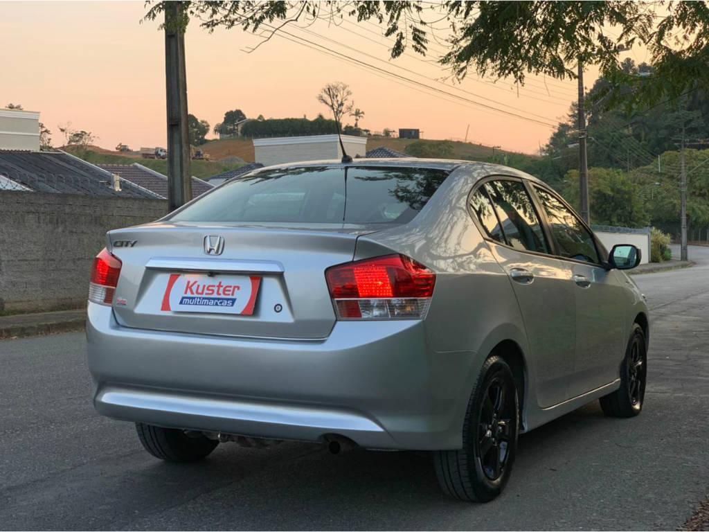 Foto numero 4 do veiculo Honda City DX 1.5 AUT - Prata - 2010/2011